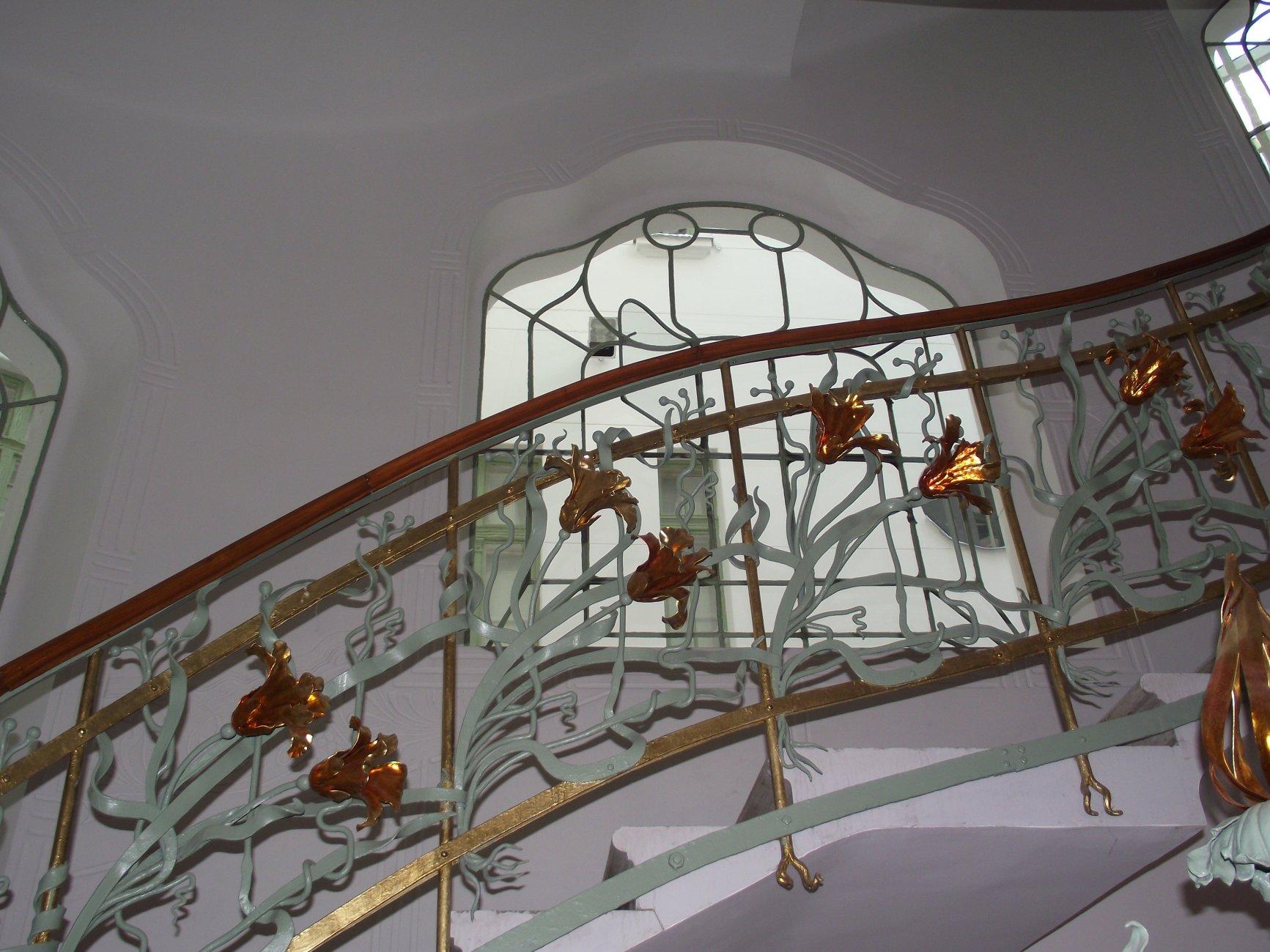 Szeged,_reök-palota,_részlet_a_lépcsőházból.jpg