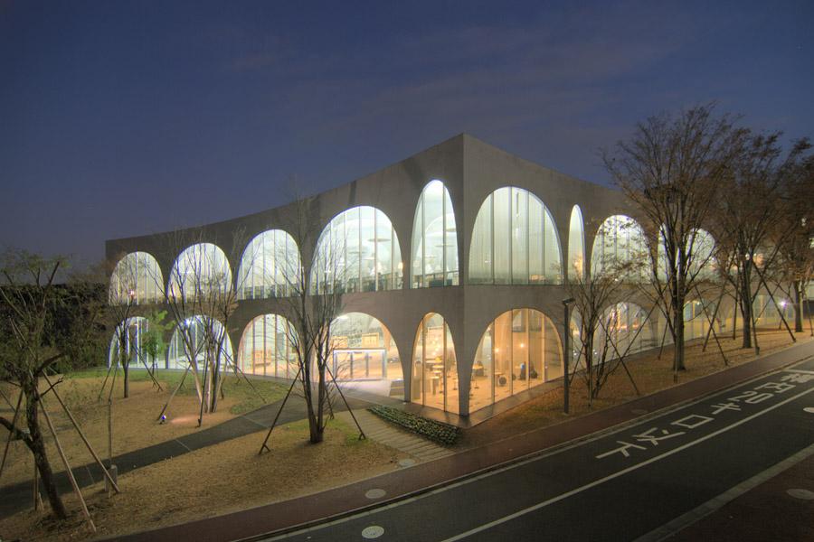 Tama_bijutsu_daigaku_library.jpg