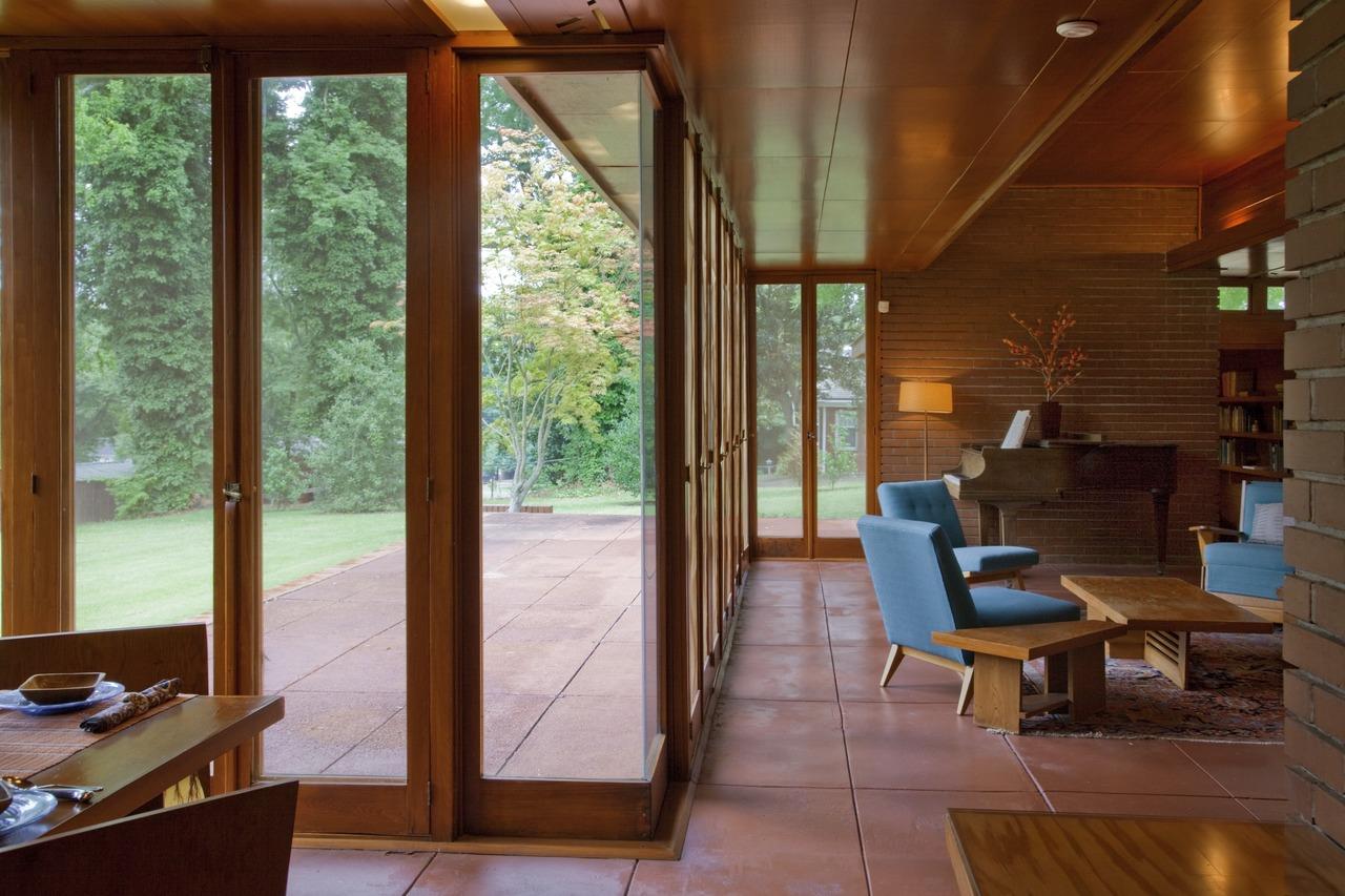 The_Rosenbaum_House,_Florence,_Alabama_LCCN2010640737.tif.jpg