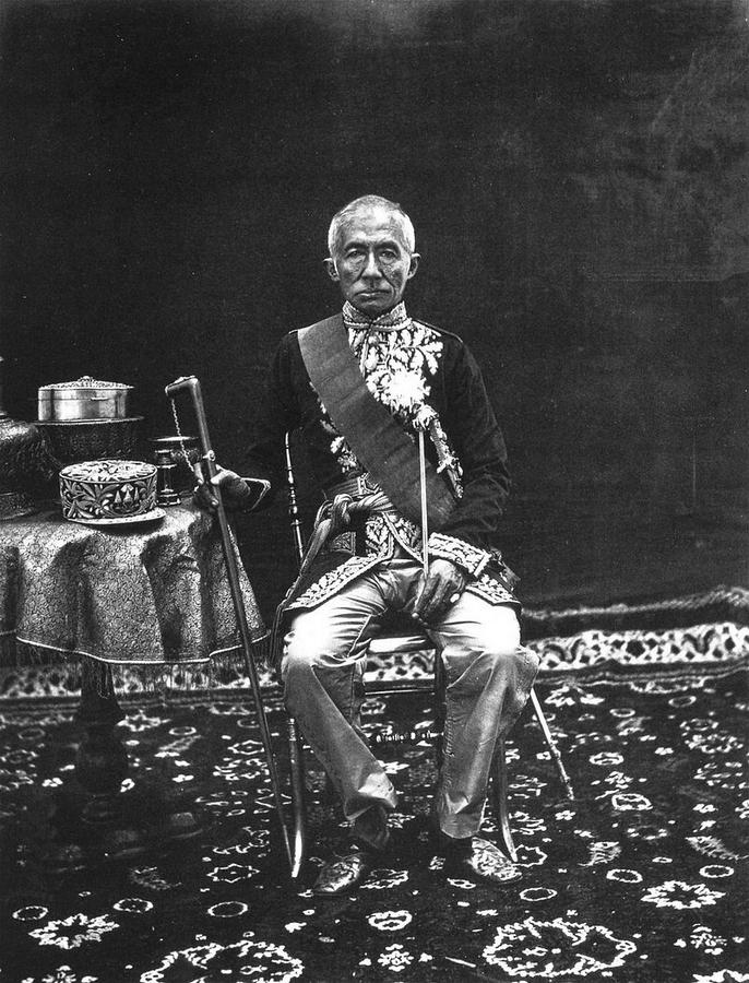 Thomson,_King_Mongkut_of_Siam.jpg