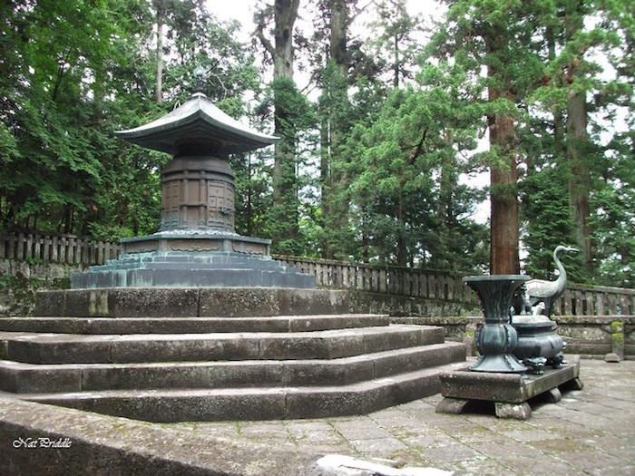 Toshogu-shrine-Nikko-6.jpg