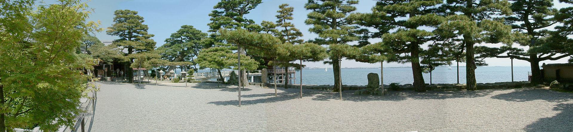 Ukimidou,浮御堂_-_panoramio_-_z_tanuki.jpg