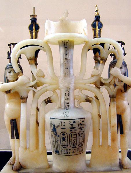 Vase_à_parfums_(tombe_de_Toutânkhamon_musée_du_Caire)_(1814754389).jpg