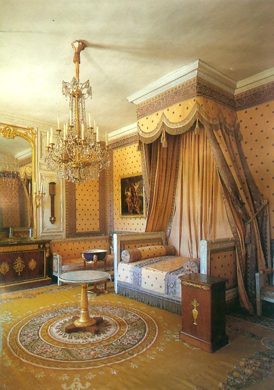 Versailles_Grand_Trianon_Napoleon's_Chamber.jpg