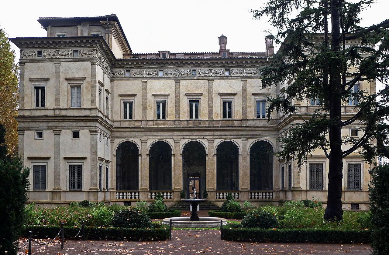 Villa_Farnesina_Nordfassade.jpg