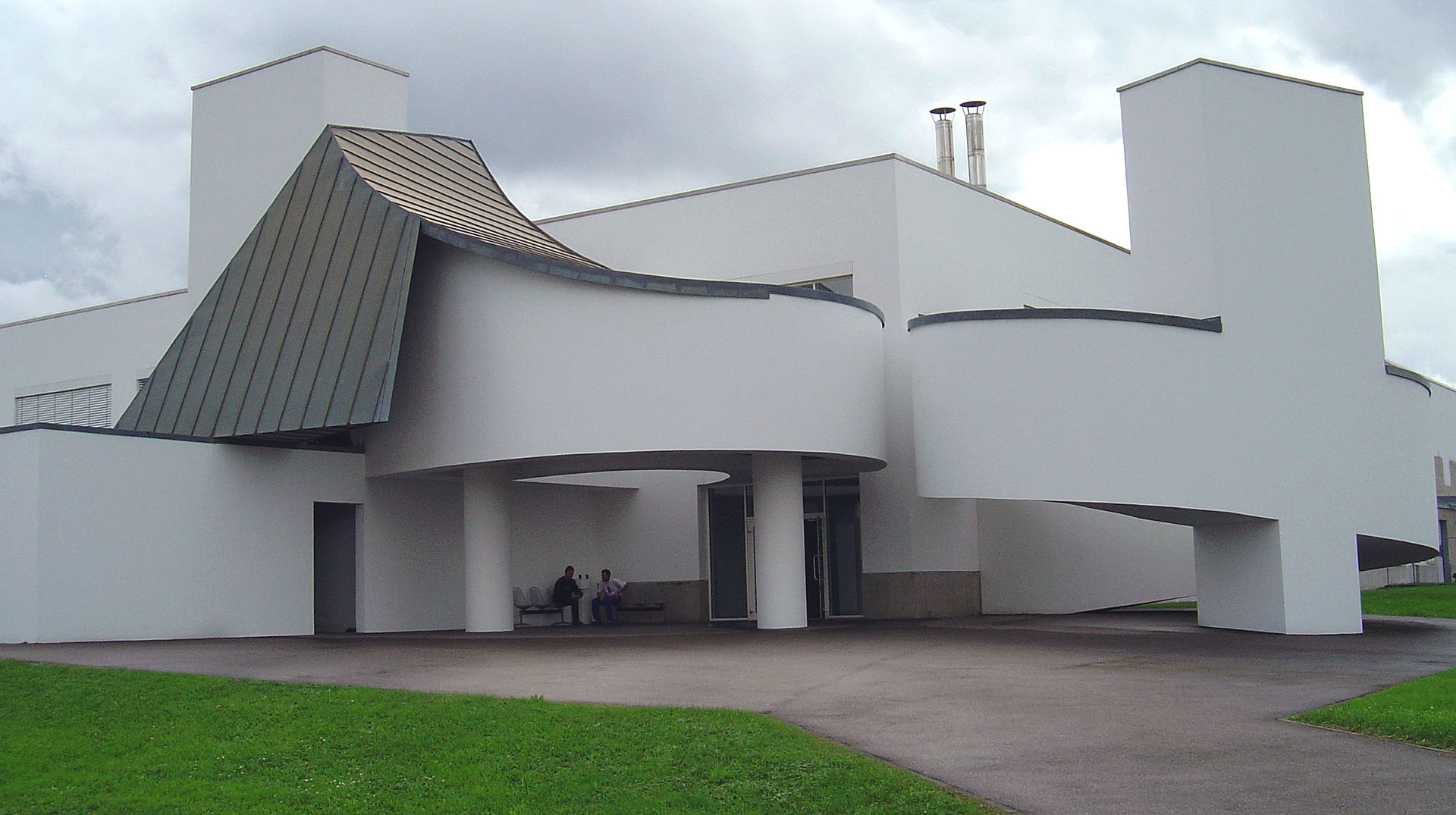 Vitra_factory_building,_Frank_Gehry.jpg