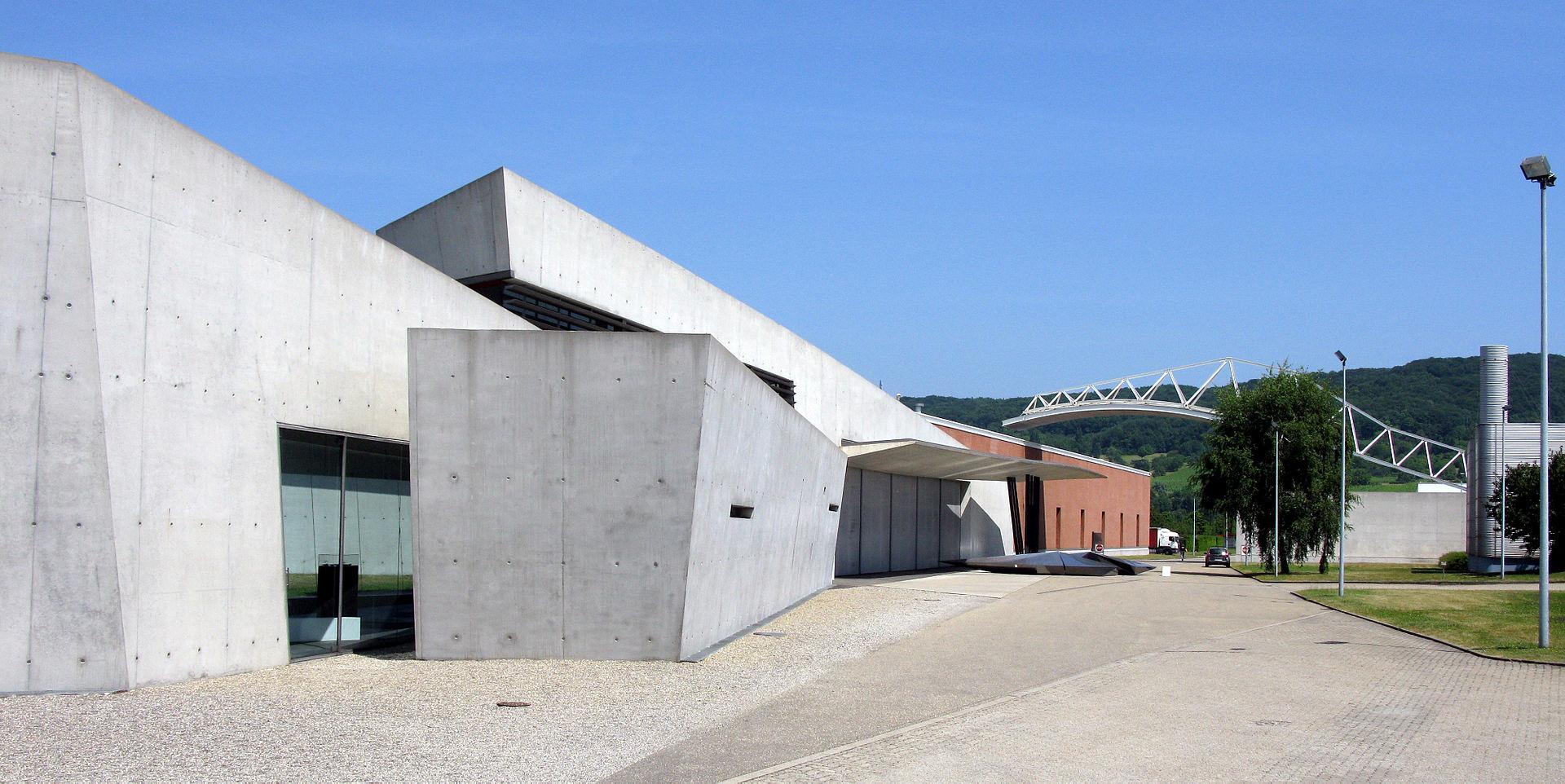 Vitra_Feuerwehrhaus_von_Zaha_Hadid_in_Weil_am_Rhein_8.jpg