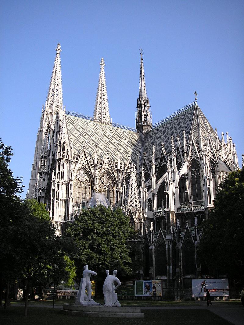 Votivkirche_Vienna_June_2006_541.jpg