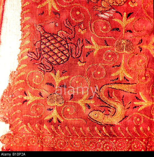 wall-hanging-with-tortoise-turtle-and-fishes-hunnish-textile-from-B10P2A.jpg