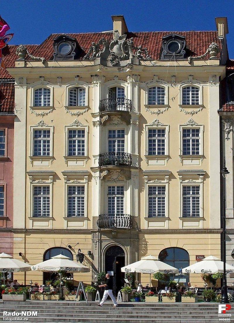 Warszawa,_Kamienica_Prażmowskich_-_fotopolska.eu_(340499).jpg