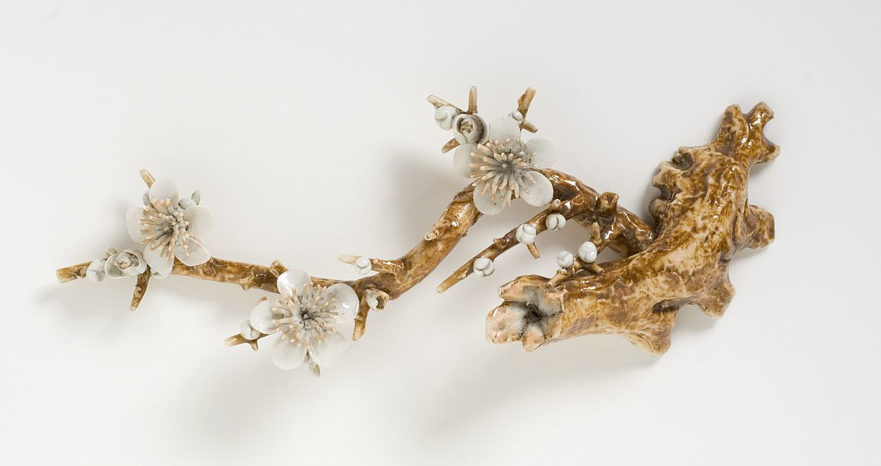 Weight_(noshi-osae)_in_the_form_of_a_Plum_Branch_LACMA_M.2003.154.4.jpg