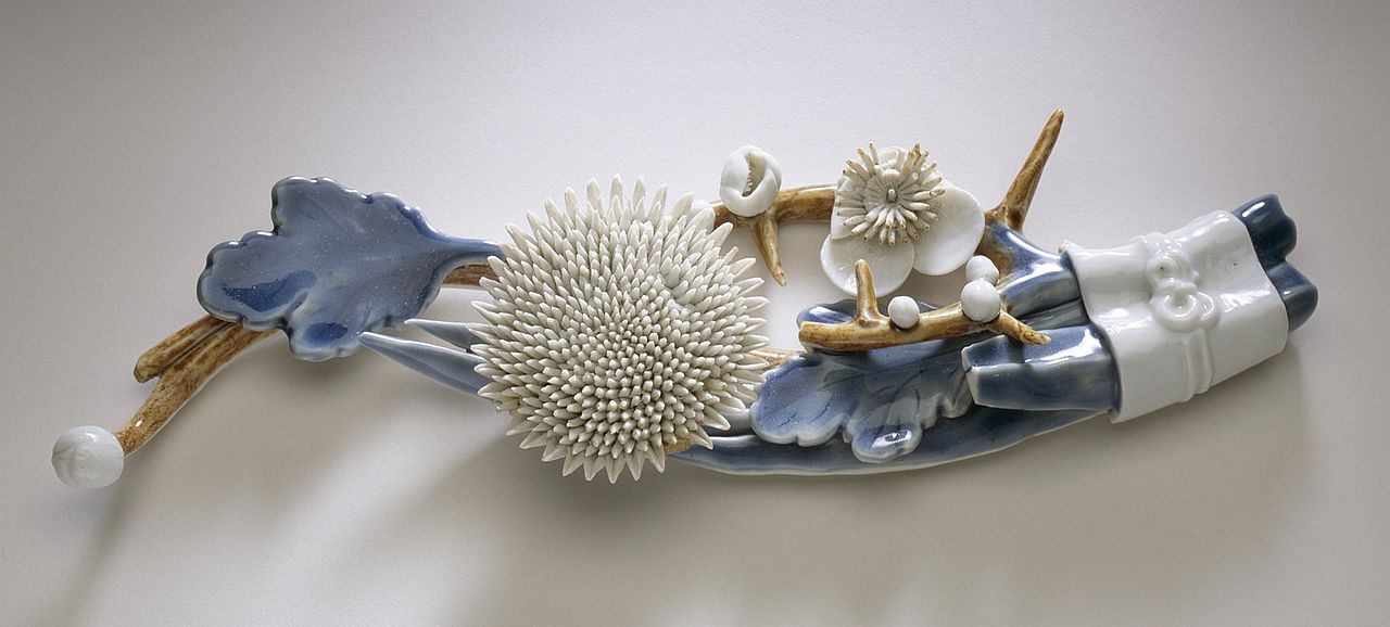 Weight_(noshi-osae)_in_the_Form_of_Chrysanthemums_and_Plum_Blossoms_LACMA_M.2001.193.1.jpg