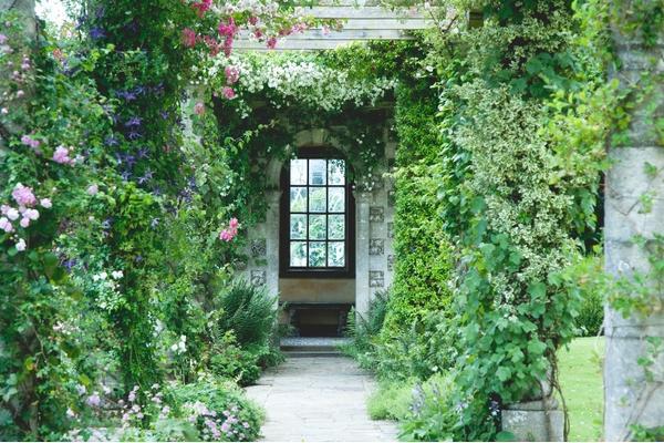 west-dean-gardens-edwardian-pergola-credit-vicki-isted.jpg