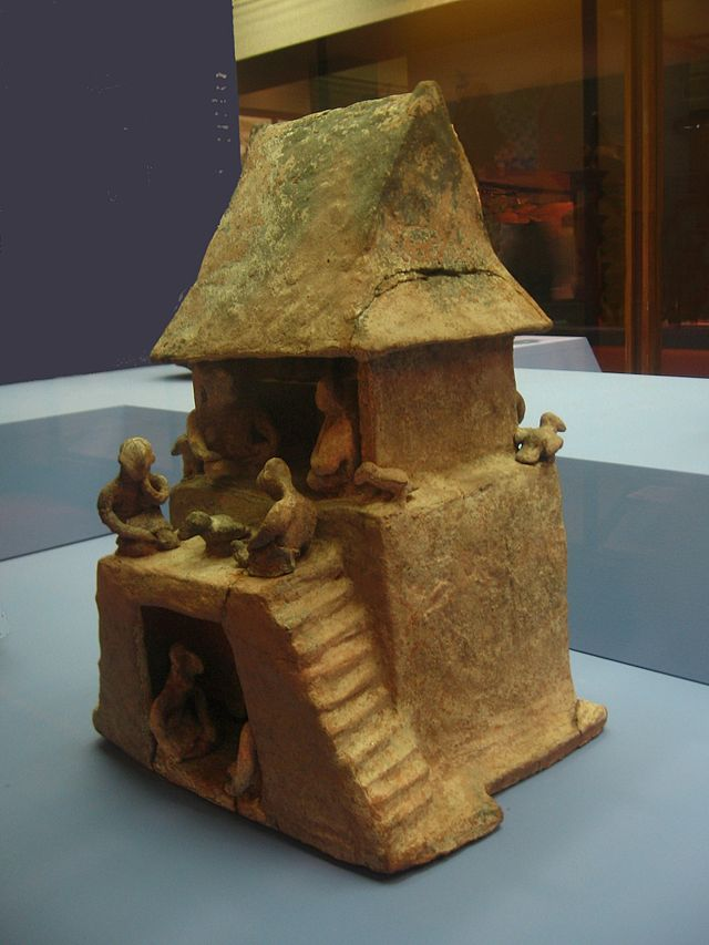 Western_Mexico_Shaft_tomb_house_3.jpg