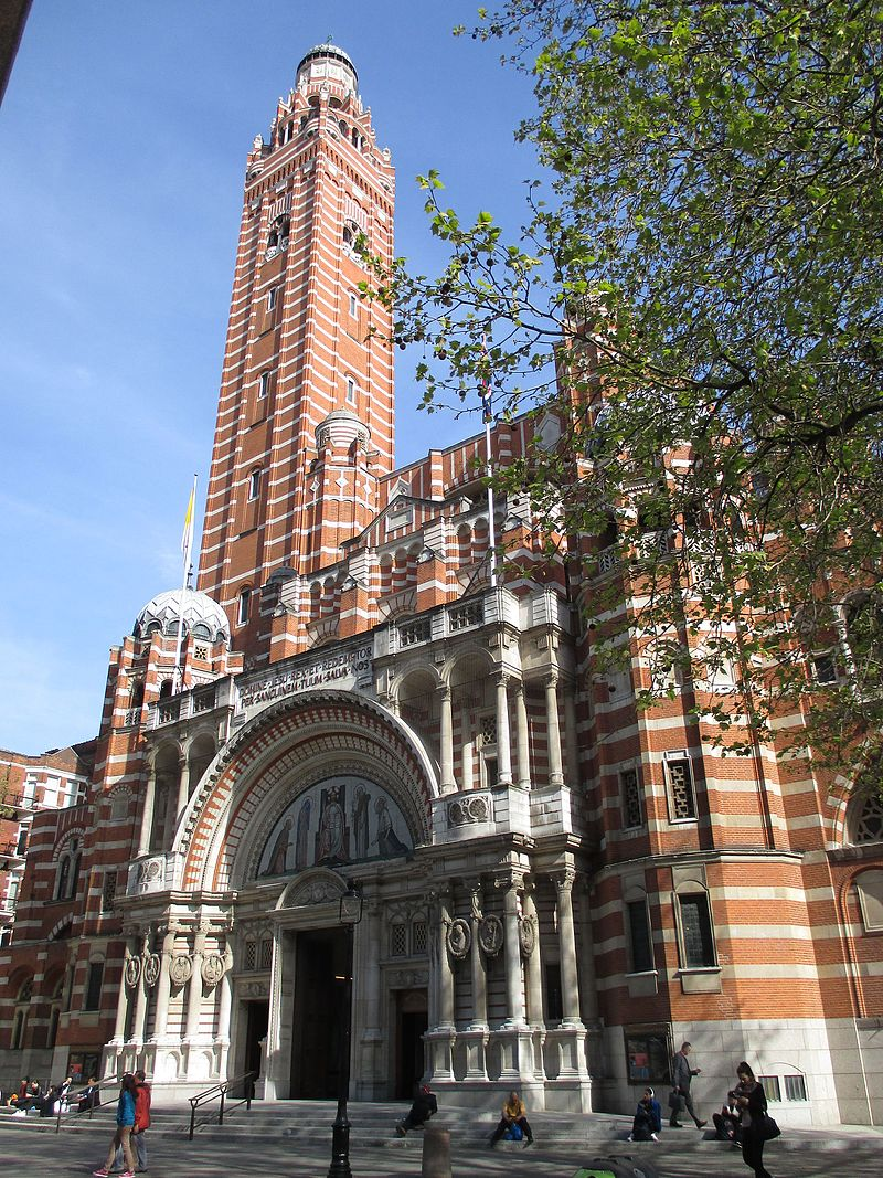 Westminster_Cathedral_from_the_west.jpg