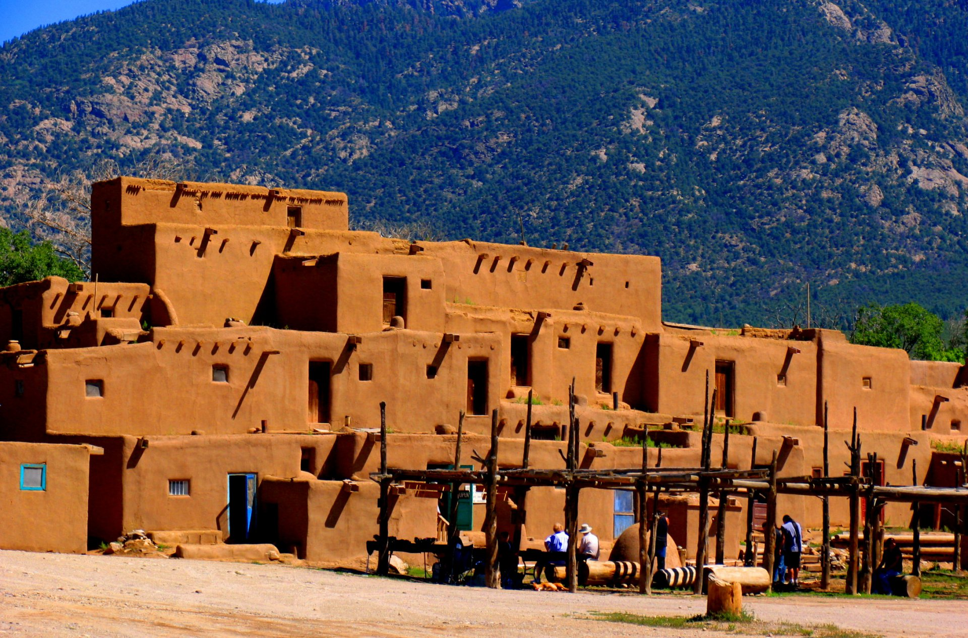Winnetou-_-Pueblo.jpg